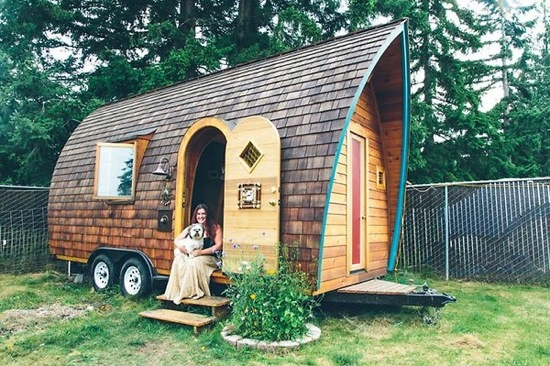 lighting a small space is always easier than keeping up with a sprawling layout tiny houses with solar panels have an even smaller carbon footprint - Tiny Dwellings