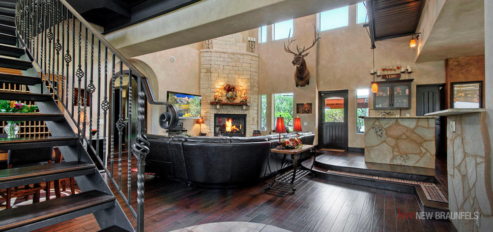 luxurious-new-braunfels-8-upscale-properties-on-the-market-right-now